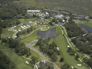 Restoration by the Tee * Golf Resort Townhome w/ 3BR Suites * Pet Friendly