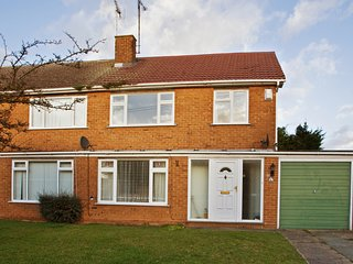 3 Bedroom House, Sleep 6, Upscale Chelmsford