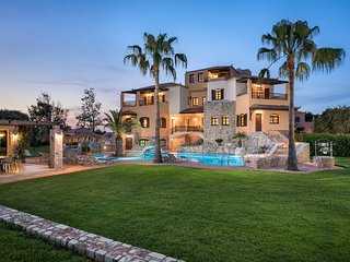 Seaside Mansion with Large Garden and Pool, Accessible