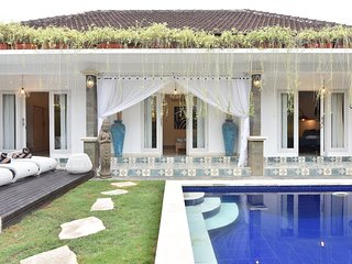 VILLA BAMBOO - Great location pool villa in Seminyak