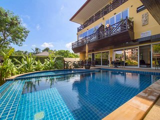Pool access apartment near Naiharn 2bdr 2bth
