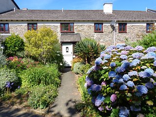 Oyster Cottage - Stylish and cosy three bedroom cottage, Salcombe, South Devon