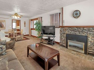 1 mile to Historic 25th Street, Temple & Downtown, Fireplace,19 mi to Snow Basin