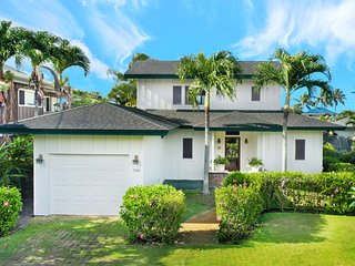 2 Minute Stroll to the Ocean--4 Minute Stroll to Beaches--Large Oceanview Home
