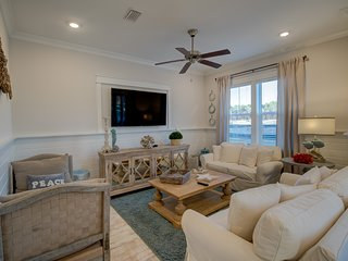Luxury Prominence Home w/ Free Golf Cart