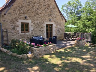 Walnut Barn: Luxury Self Catering Gite with pool, perfect for couples & families