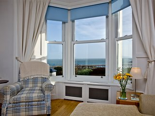 Bay House - An elegant town house overlooking Brixham's bay, with  four bedrooms