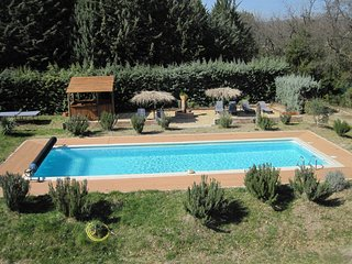 Villa Luberon sleeps 12 in 5 bedrooms heated pool sauna 5000sqm outside kitchen