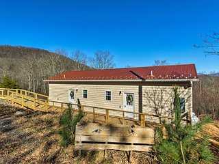 NEW! Cheery Family Cottage in Pisgah Nat'l Forest!