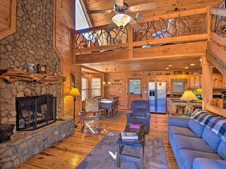 'Mountain Dream' Cabin in Humphrey Heights Complex