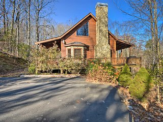 NEW! Chattahoochee National Forest Rustic Retreat!