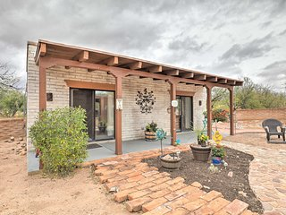 NEW! Desert Getaway on 9 Acres ~45 Min to Tucson!