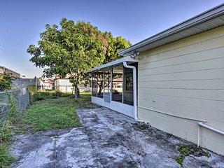 NEW! Cozy Duplex w/ Lanai, 12 Mi to Discovery Cove