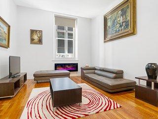 Spacious central 3BDR apartment