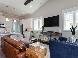 Stunning New Construction Condo in the Center of Wrightsville Beach!