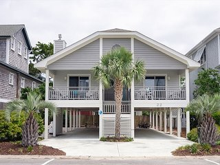Pet friendly single family home steps from Banks Channel