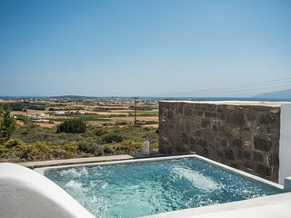 Villa Pisti  . 3-bed gorgeous villa - plunge pool & sea views