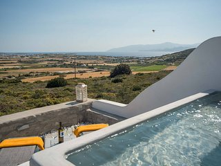 Villa Philoxenia . Gorgeous island villa with plunge pool & sea views