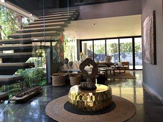 Author Villa - Unique Design 4BR w/Private Pool