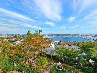 Point Loma Paradise | Bay-View Balconies, Hot Tub & Firepit | 2 Blocks to Bay