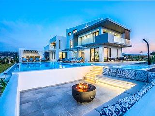 Villa Orizontes, Top Luxury Villa with Private Pool, Near to the Beach