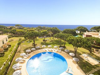SUPERB 2 BED APARTMENT, A/C, FREE WI-FI, SWIMMING POOL, 350M TO THE BEACH