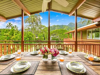 Tropical paradise, 2 Homes, Haena.  Mountain views, walk to the beach!