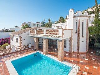Villa en alquiler vacacional, con piscina privada ideal para familias