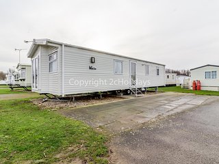 Stunning 6 berth caravan for hire at Manor park in Hunstanton Norfolk ref 23044C
