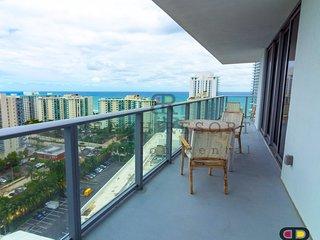 Hyde Beach H. 2 Bedroom luxury suite, Beach Resort Rental. New Resort, Full view