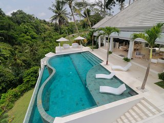 SPECIAL PROMO -40%, Magical Jungle Villa, 4 BR, Ubud w/ staff