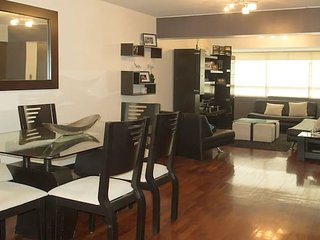 Spacious & comfy apt - great location Miraflores!
