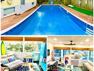 Huge Pool! Great Location! 3 Blocks to Beach!