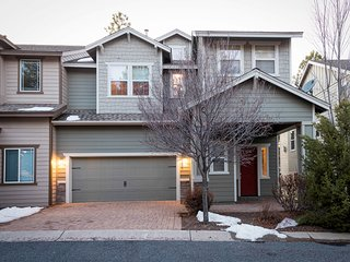 NEW LISTING! Large, dog-friendly family home close to trails w/great location