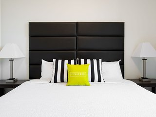 Contemporary Stay Alfred Studio at Arapahoe Square
