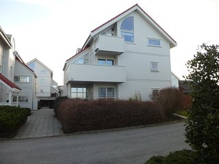 Fjord View - Comfortable quiet accommodation near the city centre