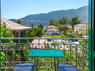 -10% At Drakatos apartment1 with beautiful views in Vasiliki, Lefkada Until 18/7