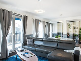 BEAUTIFUL MODERN APARTMENT - CHAMPS ELYSEES - ARC DU TRIOMPHE - PORTE MAILLOT