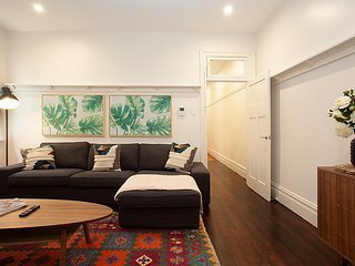 Spacious Family Unit with Backyard Metres to Bondi Beach