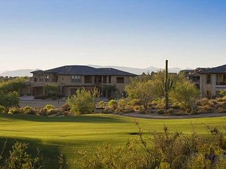 Troon Town-Home w/ Golf Course & Mountain VIEWS!