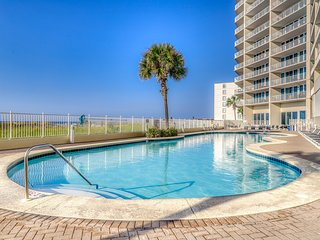 Gulf-front condo w/ sauna, Free WiFi, indoor pool, and beach access!