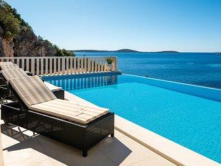 Comfortabele villa met schitterend zeezicht (CDM557)