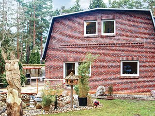 Awesome home in Berlin w/ Sauna, WiFi and 4 Bedrooms (DBE143)
