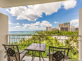 Modern Park+Ocean View Rental w/Lanai, Kitchenette, Free WiFi–Waikiki Shore 704
