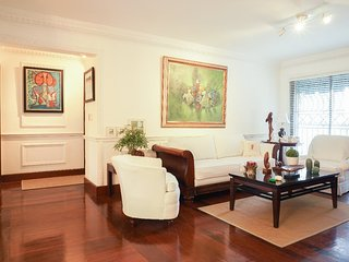 Tres robles 3c · ☆Glamorous☆AC-WiFi-parking-HotWater-TV SDQRentals