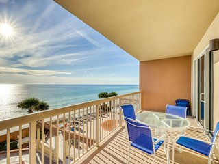 Snowbird-friendly Gulf front condo w/shared pool, hot tub, and gas grills!