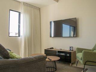 Refa Suites 10C . *NEW* 1BRaprt-10thFloor-AC-WiFi-SmrtTV SDQRentals