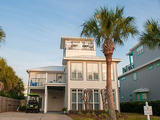NEWLY RENOVATED!  5BR Beach House in DESTIN - Walk to Beach! Golf Cart Included!