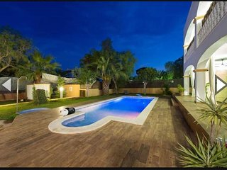 CURRENTLY RENOVATING - Stylish Villa in Ibiza Town