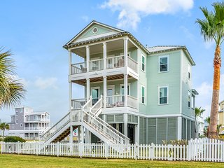 NEW LISTING! Lovely home w/Gulf & beach views, balcony - close to the beach